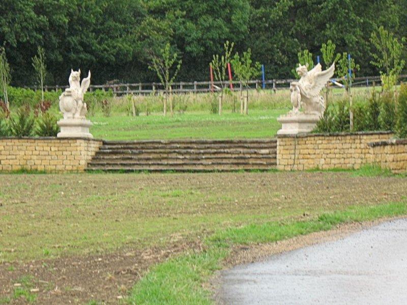 Clipsham Stone Bedding Border